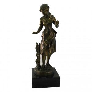 Metallskulptur Rosenmädchen