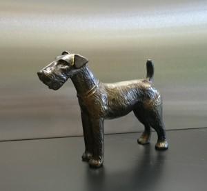 Metallskulptur Terrier freihstehend