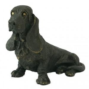 Bronzefigur Basset