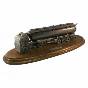 Metallskulptur Tanklaster MAN F2000